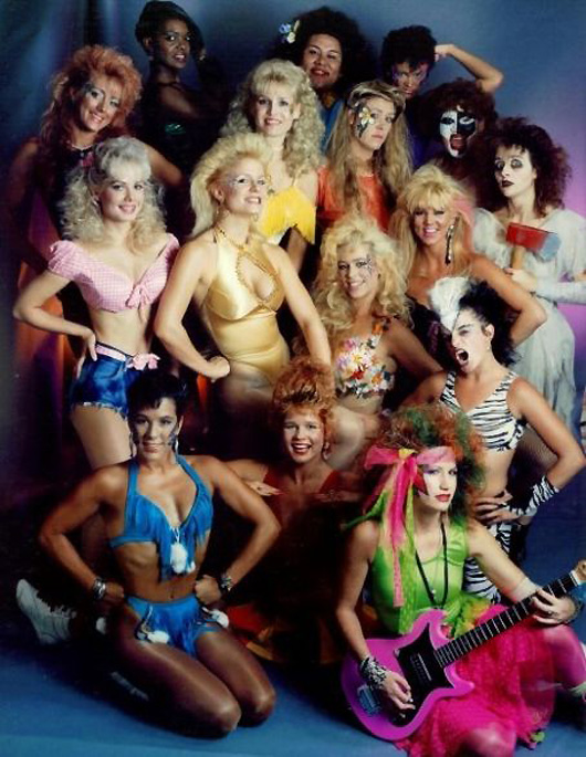 glow2 GLOW: The Story of the Gorgeous Ladies of Wrestling